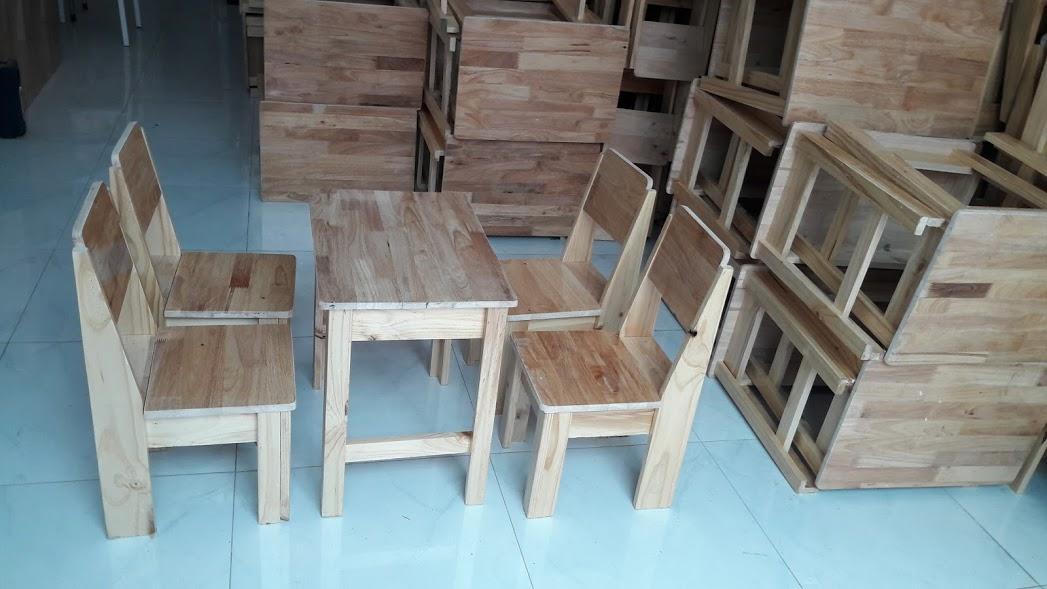 Bộ bàn ghế có tựa