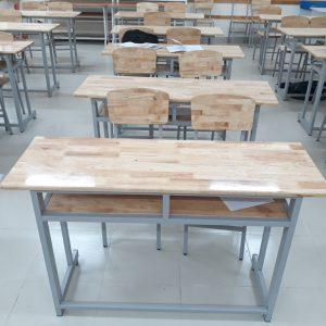 Kết quả hình ảnh cho bàn ghế trường học gỗ thông